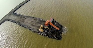 A balatonfenyvesi kikötő építés közben