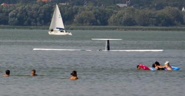 Vitorlázó repülőgép zuhant a Balatonba